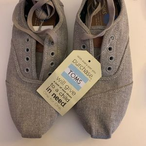 NWT Khaki TOMS Shoes